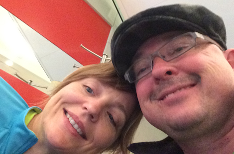(l-r) Selfie: Debbie Molloy and husband Donovan.
