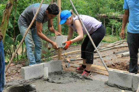 Jessica in Honduras with the Global Brigades in 2014.