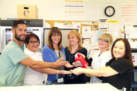 (l-r): Greg Lovett, RN (MSICU); Linda Au, Care Facilitator (MSICU); Joanne Butler, Division Manager (MSICU and Hyperbarics); Dr. Lisa Kenny, Intensivist; Dana Bradbury, RN (MSICU); Dee Rogers, RN (MISCU)