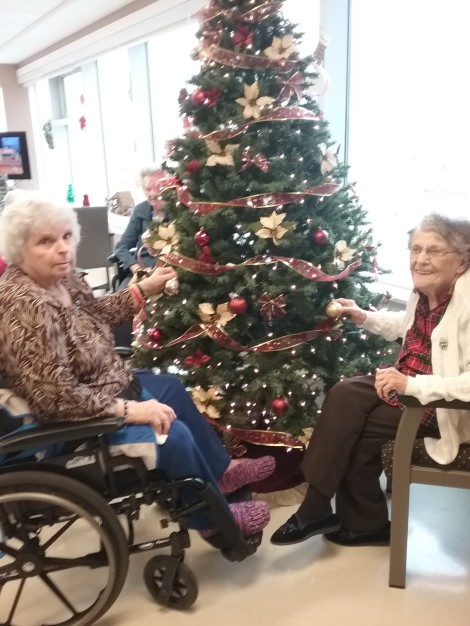 Grace Luffman and Pearl Gosse Decorating their Unit Christmas Tree
