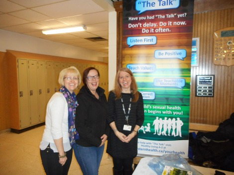 (l-r) Donna Dawe, health promotion consultant, Tammy Butler, parent of high school student, and Jill Rees, community health nurse