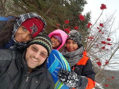Dr. Sheldon Noble with his wife Shilpika and children, Tanmay and Devshi.