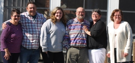 (l-r): Jeff's aunt, Sue Miller; Jeff's dad and sister Colin and Jodi Loder; heart recipient Robert Buttle; Jeff's mom, Pat Loder; and Robert's wife Brenda Buttle